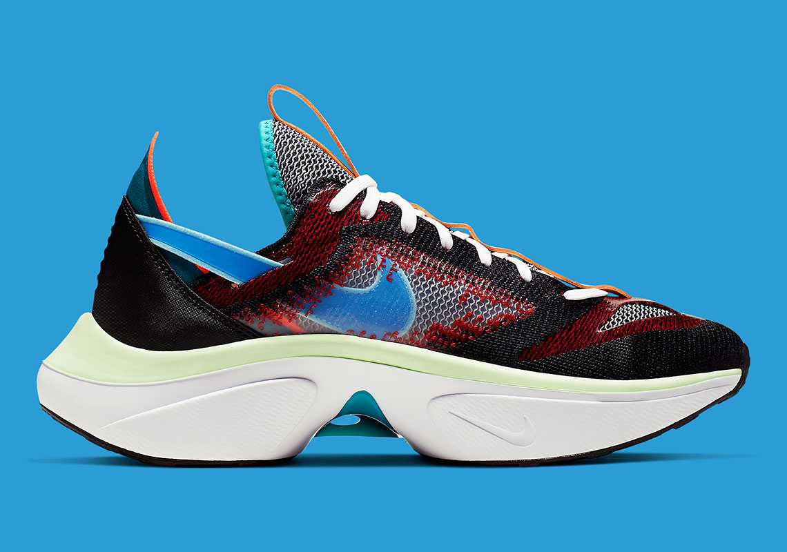 nike-DMSX-Flyknit-AT5405_001-3-wearestrap