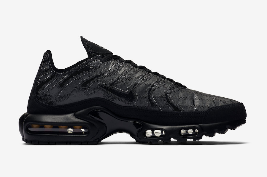 Nike-Air-Max-Plus-Decon-Black-we-are-strap 2