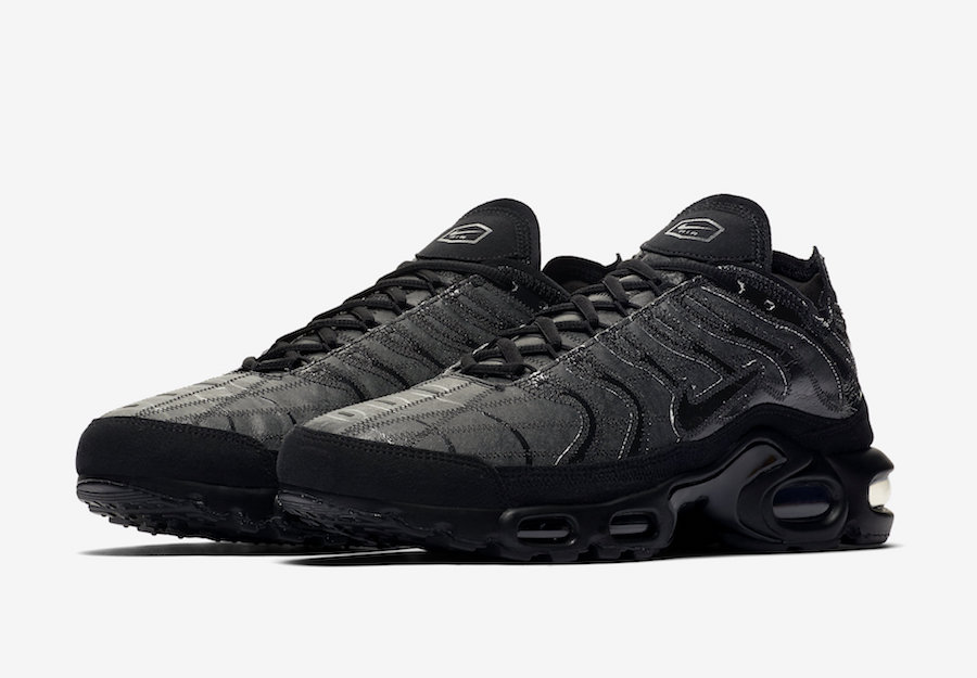 Nike-Air-Max-Plus-Decon-Black-we-are-strap