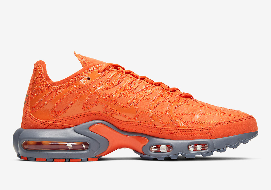 nike-air-max-plus-orange-we-are-strap. 2